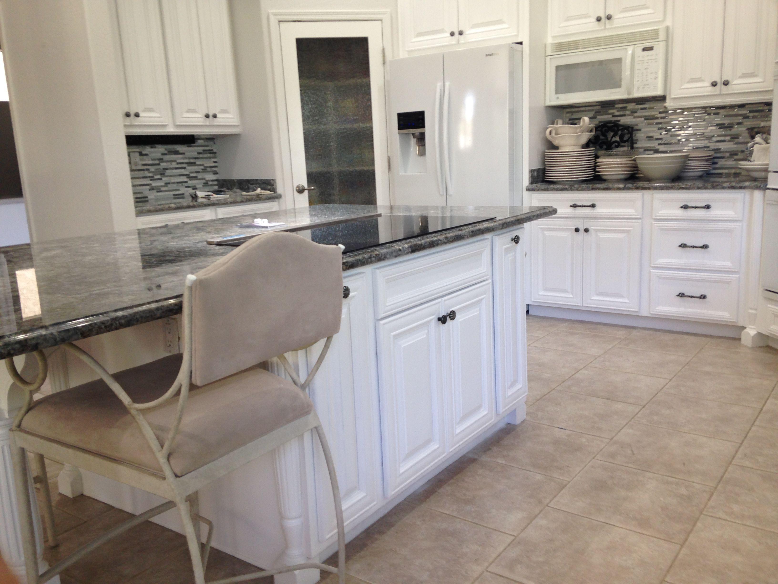 Black And White Kitchen In 2020 Kitchen Cabinets Refinish Kitchen Cabinets New Cabinet
