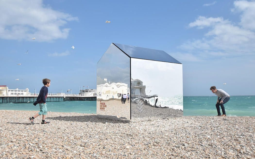 A Mirrored Take On The Classic Beach Hut – iGNANT.de