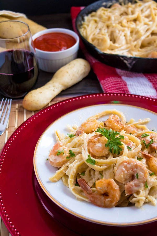 Cajun Shrimp Fettuccine Alfredo #shrimpfettuccine This Cajun Shrimp Fettuccine Alfredo is creamy and full of spicy Cajun flavour. Serve with a side of breadsticks for an easy and delicious pasta dinner! #shrimpfettuccine Cajun Shrimp Fettuccine Alfredo #shrimpfettuccine This Cajun Shrimp Fettuccine Alfredo is creamy and full of spicy Cajun flavour. Serve with a side of breadsticks for an easy and delicious pasta dinner! #shrimpfettuccine