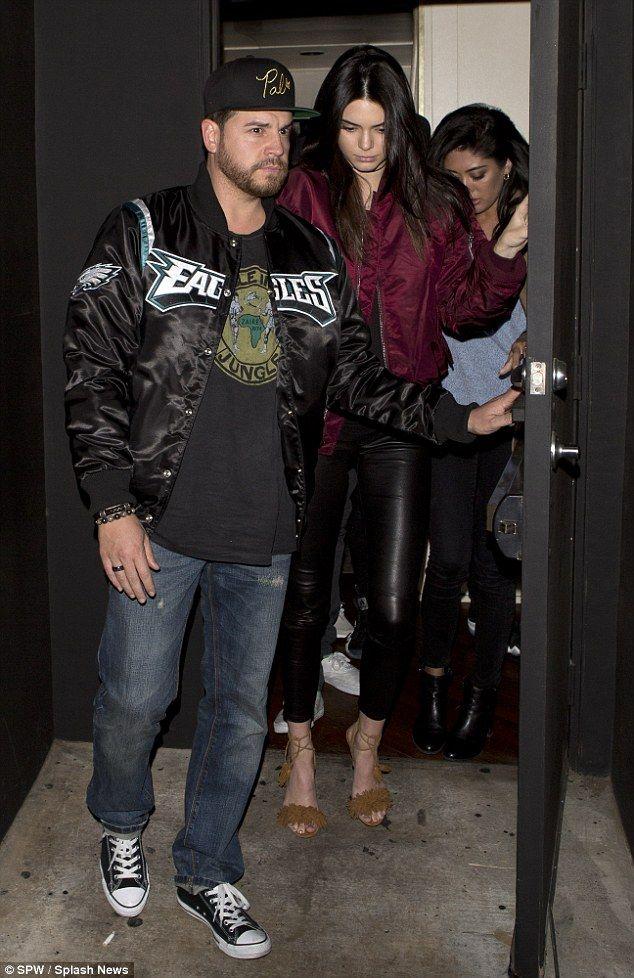 is Kendall dating Jordanië