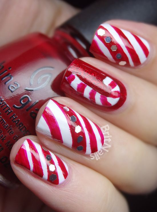 Enjoyable And Easy Xmas Candy Cane Nail Styles Fashion Christmas