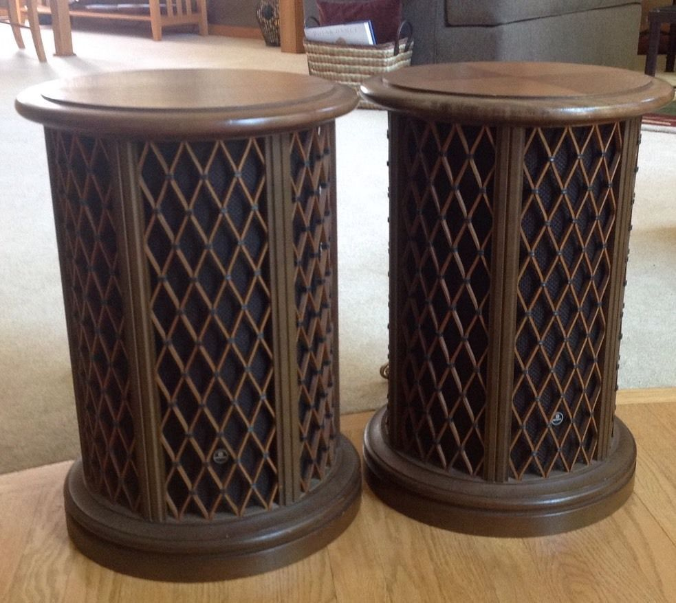 2 Vintage Pioneer Walnut Lattice Round Omnidirectional CS