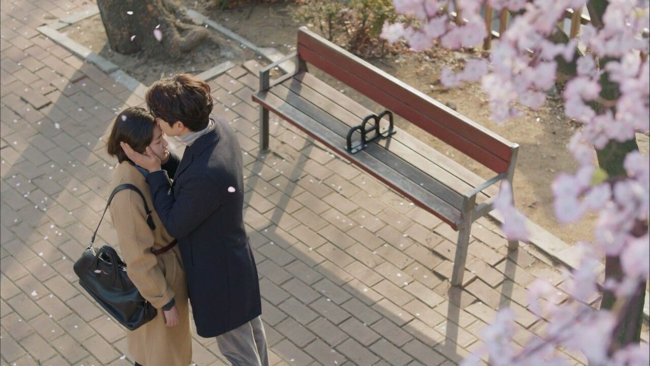 Kiss on the forehead is so romantic!! Love them so much!! Ji Eun Tak and Kim Shin forever!!
