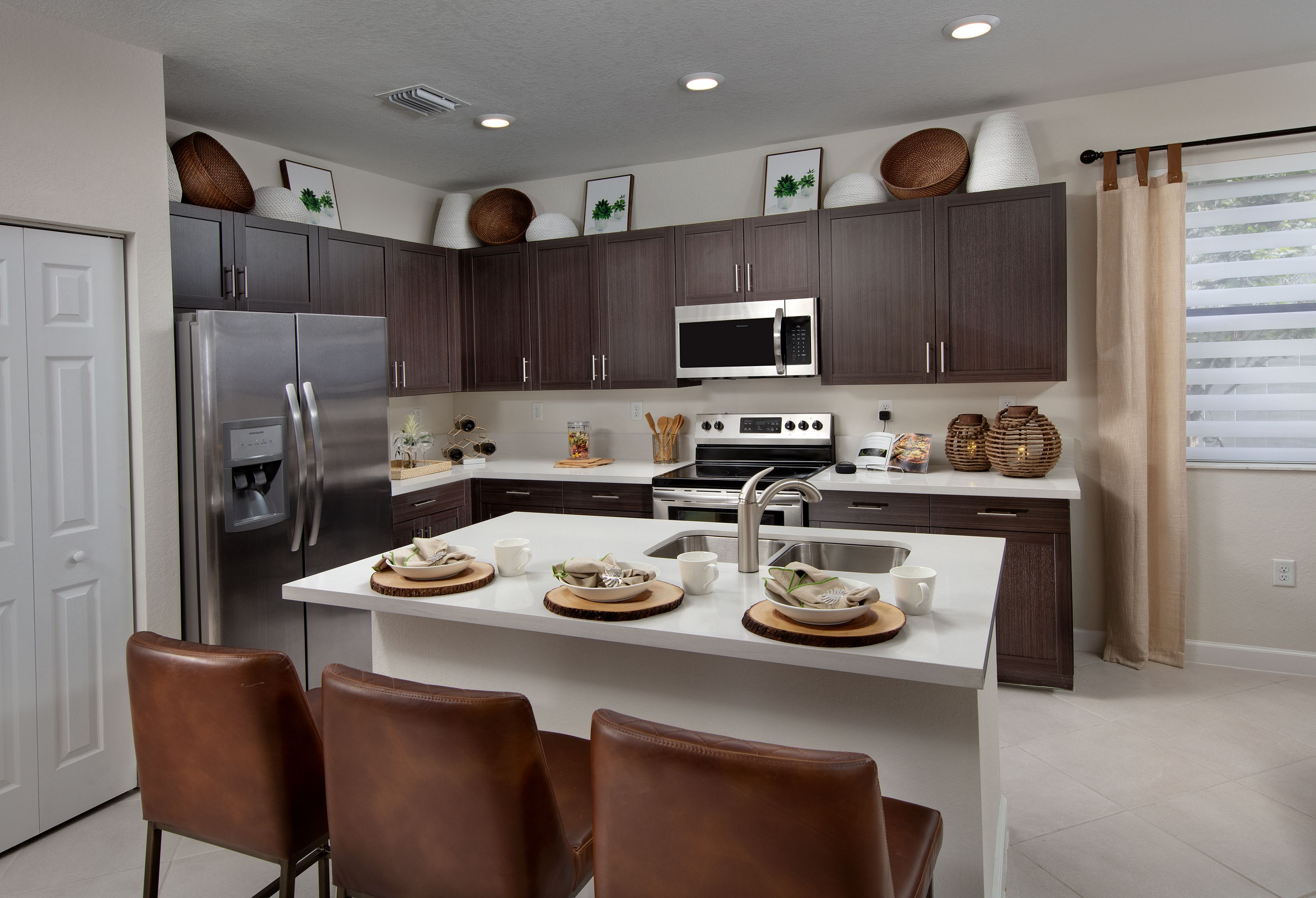 Kitchen In 2020 Lennar New Homes Home Buying