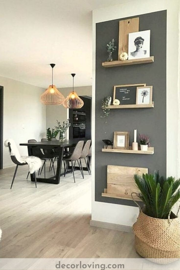 Often you find the white living room boring and even impersonal. In reality, the white wall paint is the ideal background for a bunch of original and multicolored decorations. #livingroomwalldecor #walldecorideas #Livingroomdecor #diyhomedecor #walldecoration