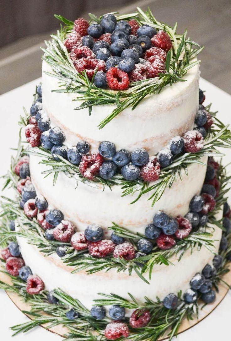 30 Fabulous Winter Wedding Cakes We Adore | Wedding Forward