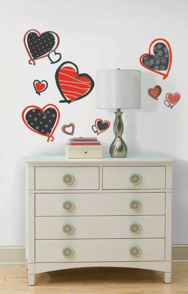 Dragostea pluteste in aer! Inimioare pline de iubire, ce pot aduce un strop de fericire in camera ta!