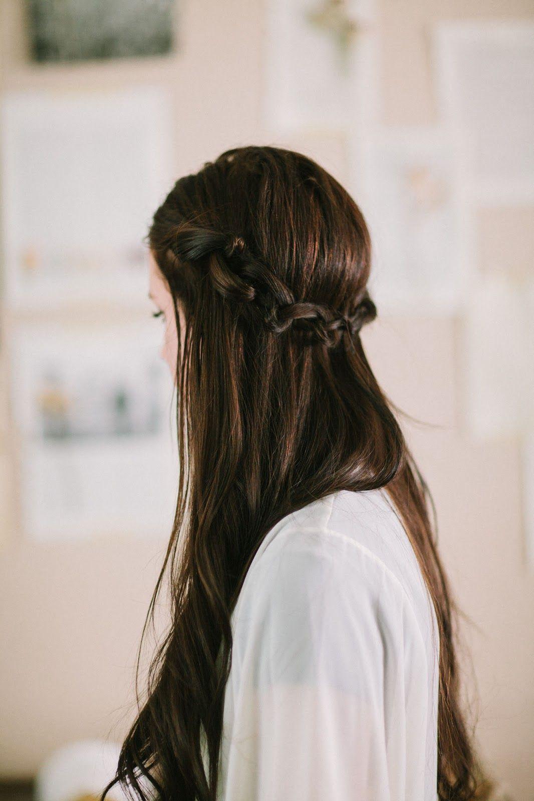 編み込みなしでも大丈夫 編み込み風ハーフアップアレンジ解説 ゴム4つ ヘアアク Messy Hairstyles Hair Arrange Hair Knot