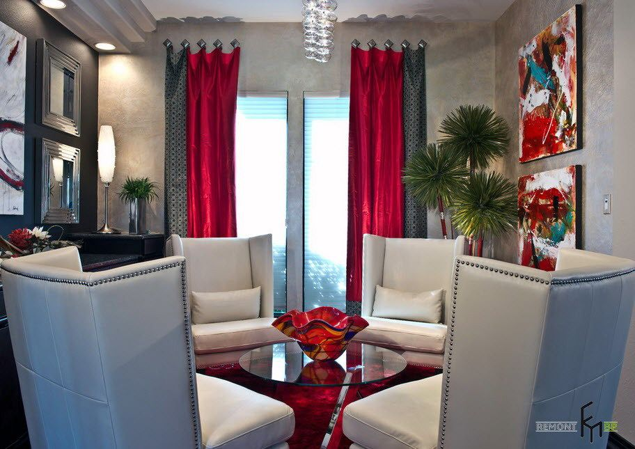 A Mesmerizing Red Grey Patterned Curtain Combination For Modern Living Room With Glamorous Ch Red Curtains Living Room Grey And Red Living Room Living Room Red