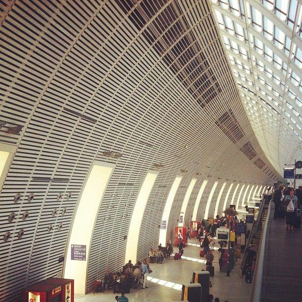 TGV Railway Station - Avignon - France (With images ...