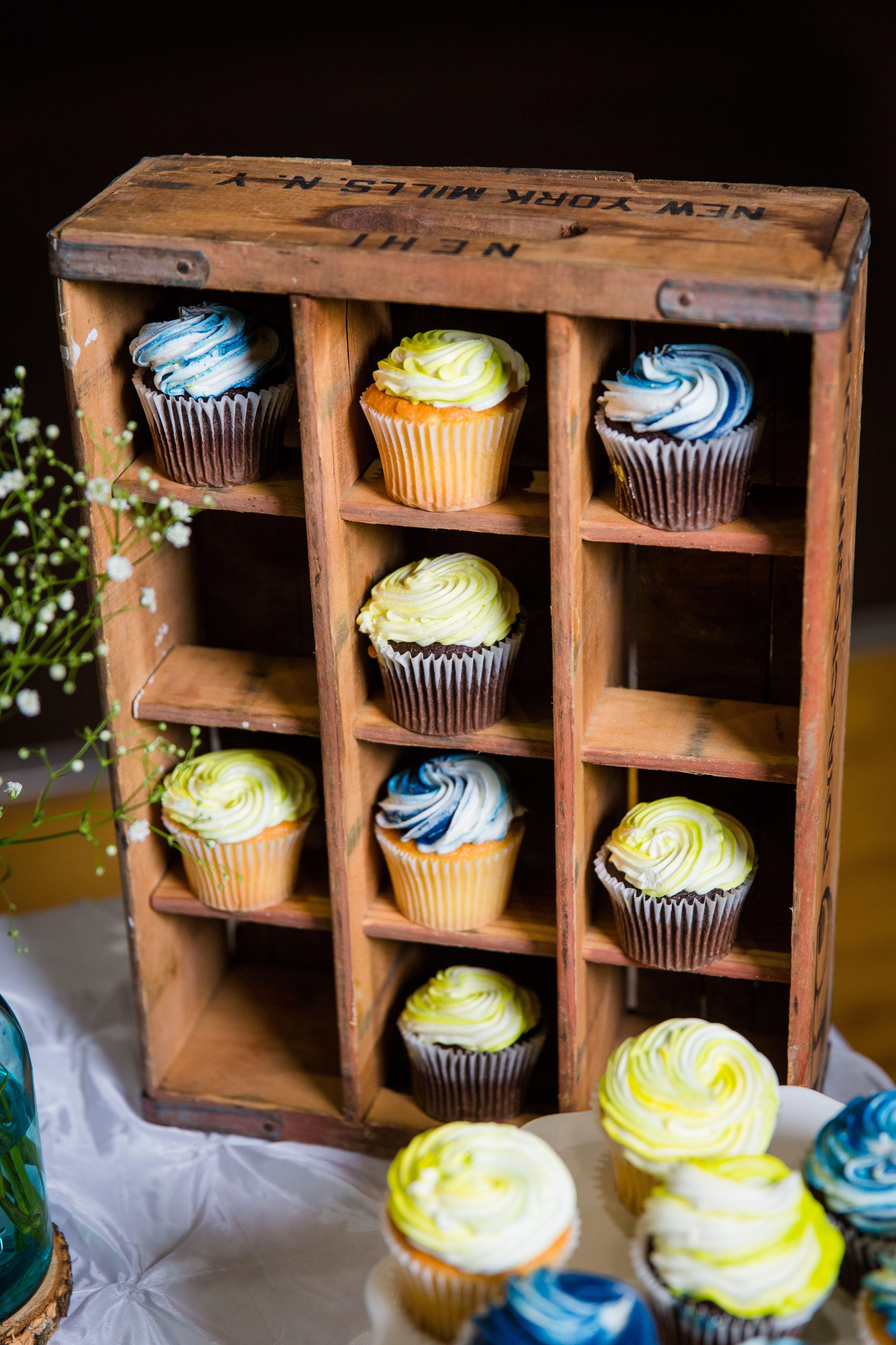 16++ Wedding cupcake display with crates ideas