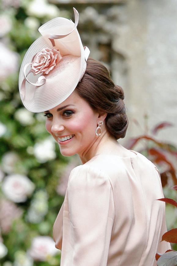 Die Herzogin Hat Einen Neuen Haarreif Pippa Middleton Hochzeit Pippa Middleton Fascinator