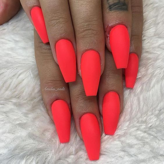 42 Coffin Acrylic Nail Ideas With Different Colors That You Ll Want To Copy With Images Summer Acrylic Nails Acrylic Nails Simple Nails