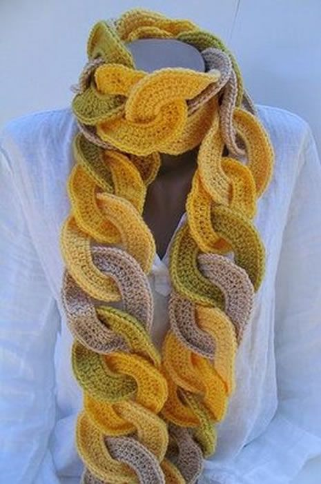 A beautiful scarf in crochet yarn. different and innovative ...