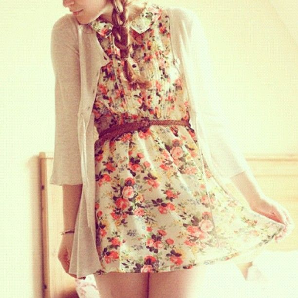 I absolutely love this dress! Obsessed with floral - @fashi0nfly- #webstagram