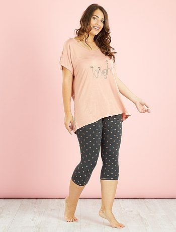 b409ab3497 Pijama estampado legging a media pierna rosa Tallas grandes mujer ...