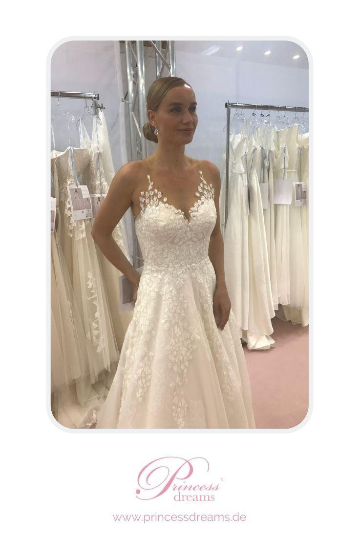 Die 56 Besten Ideen Zu Lilly Brautkleider Bei Princess Dreams Brautmode In 2021 Brautkleid Trager Klassisches Brautkleid Lilly Brautkleider