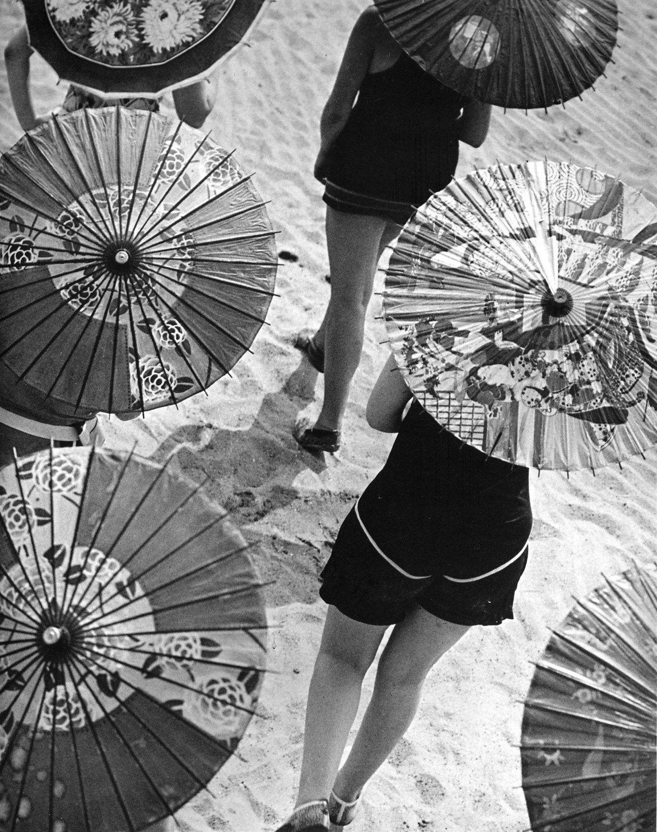 Martin Munkácsi. Vacation Fun. 1929   Tumblr, Sentimenti