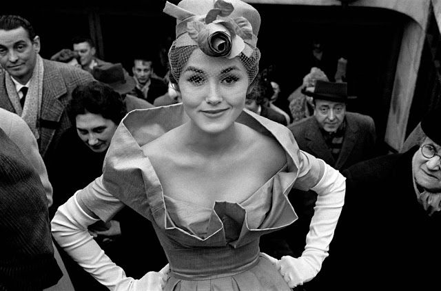 Vintage everyday extraordinary black and white fashion photography by frank horvat