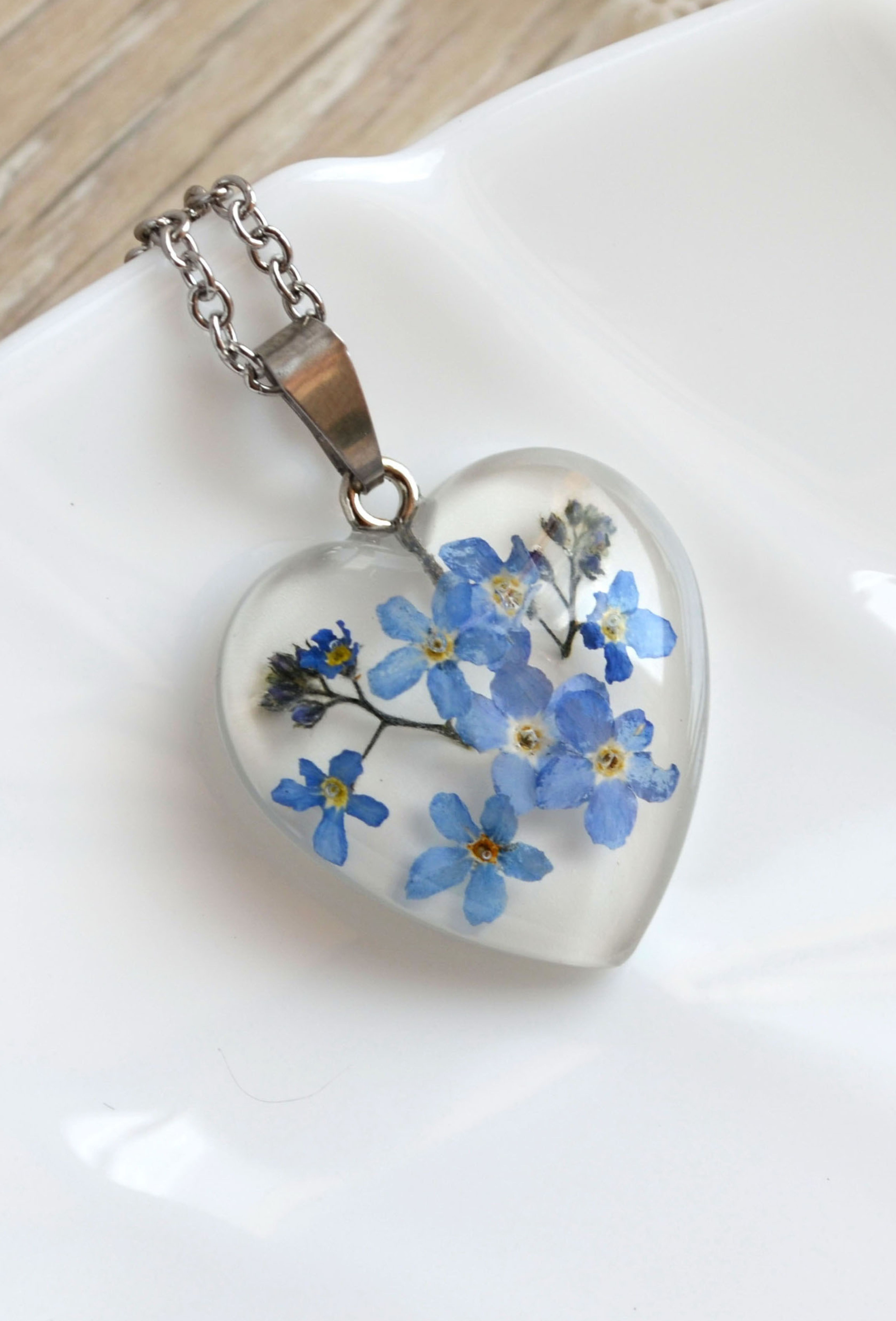 Crystal pressed flowers necklace,Resin jewelry,Dried flowers in resin crystal,Blue flowers necklace,Botanical necklace,Nature jewelry