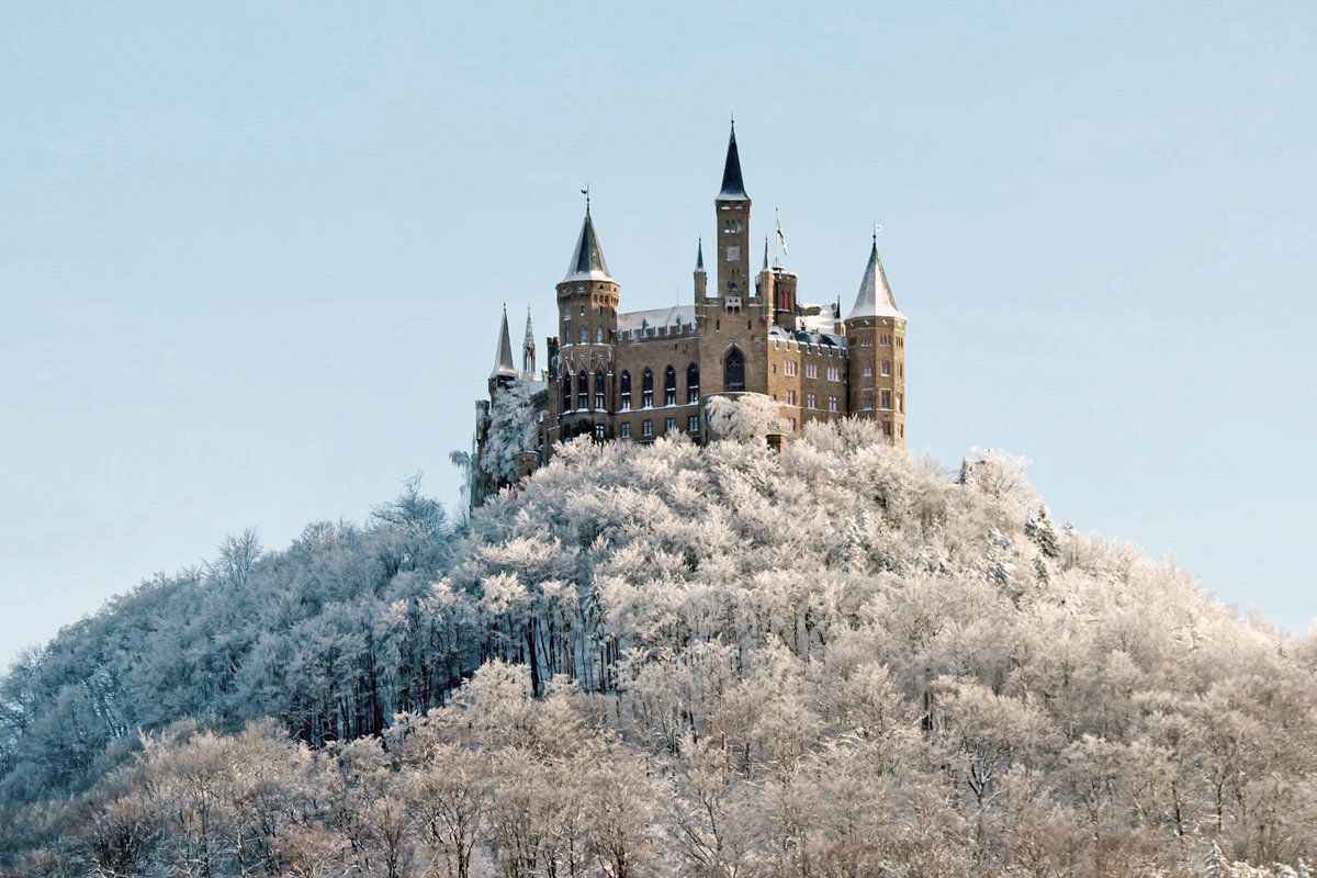 Burg Hohenzollern Hohenzollern Castle Is The Ancestral Seat Of The Imperial House Of Hohenzollern N 1 The Third Of Three Castles On The Site It Is Locate 城