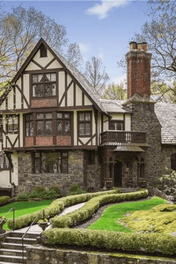1930 Tudor For Sale In Larchmont New York Tudor House Tudor