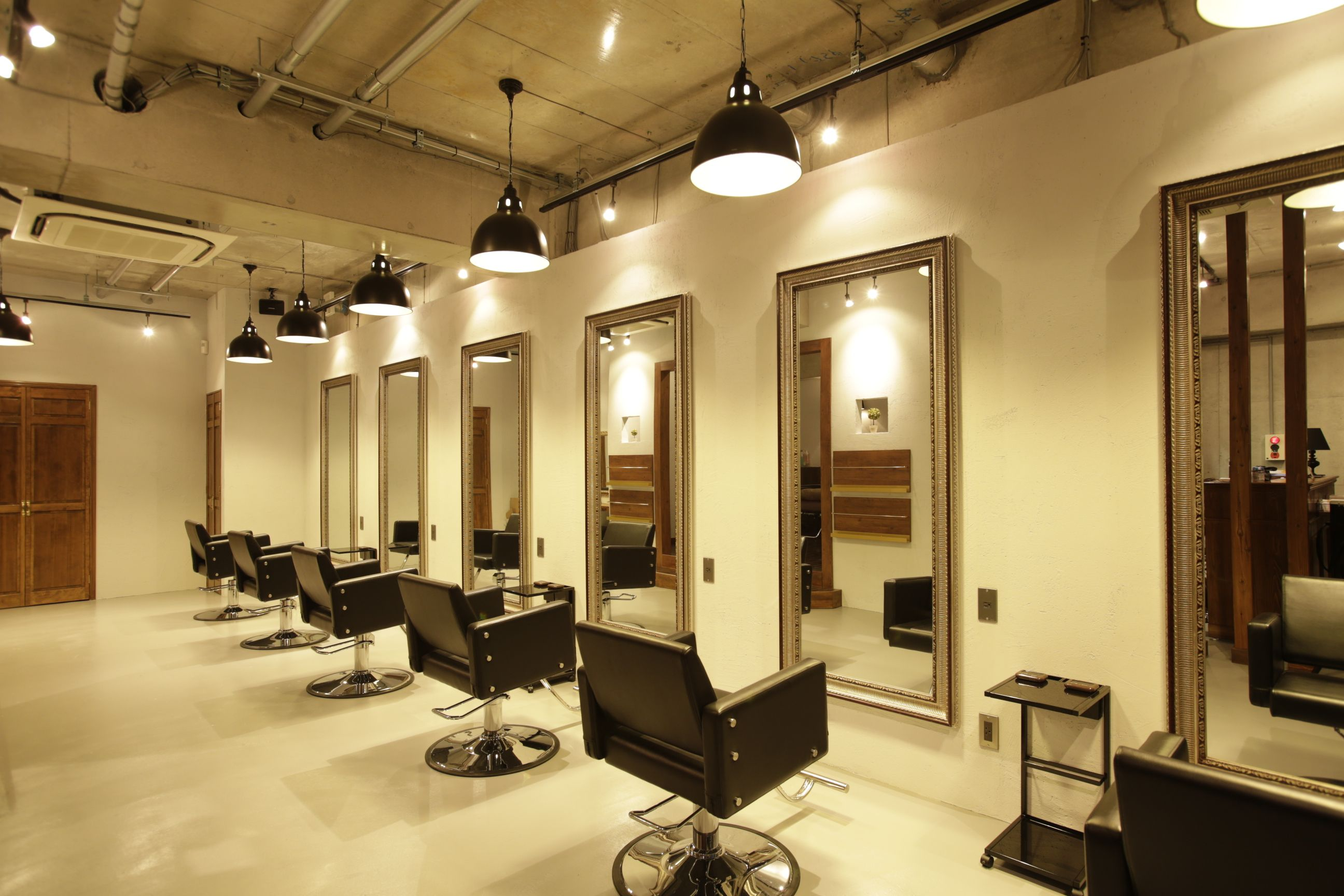 Beauty salon interior design ideas hair space for Dicor salon