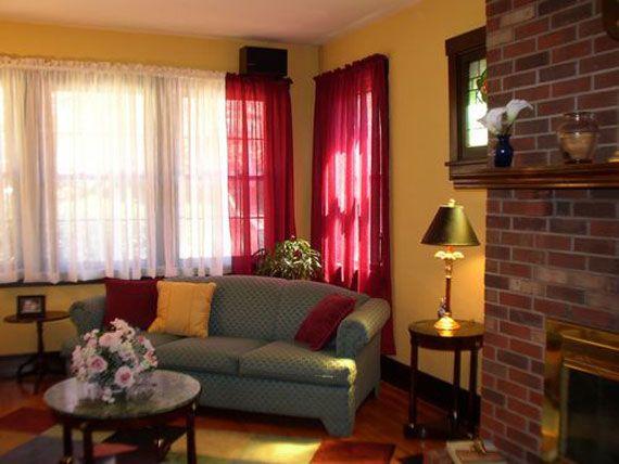 Elegant Burgundy And Gold Living Room Interior Design Gold Living Room Dining Room Paint Colors Burgundy Living Room