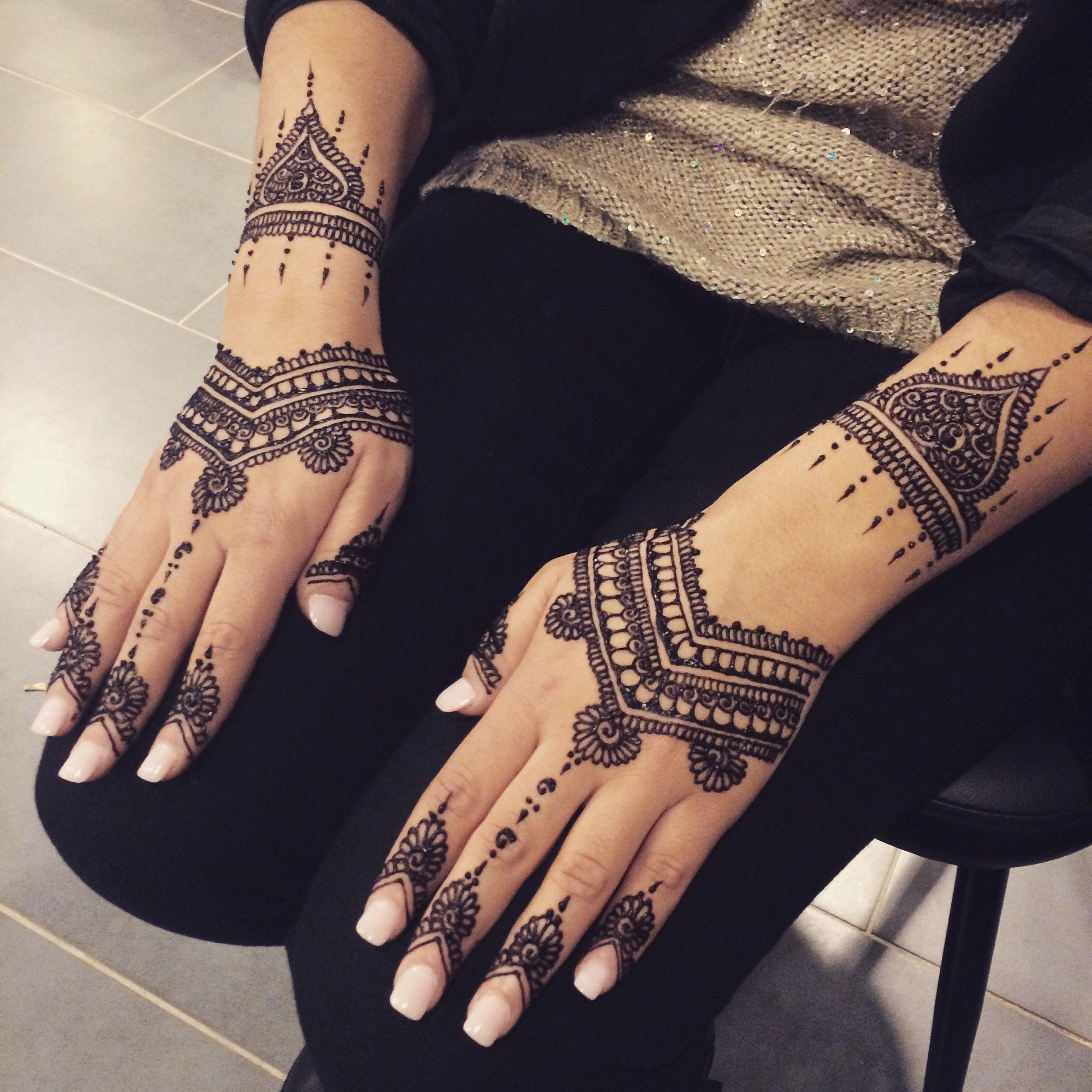henne naturel pour mari e 2 mains exterieurs idee tatoo pinterest henn henn main et. Black Bedroom Furniture Sets. Home Design Ideas