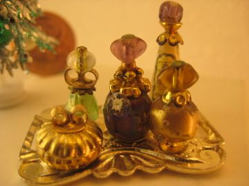 Studio E: vintage perfume trays