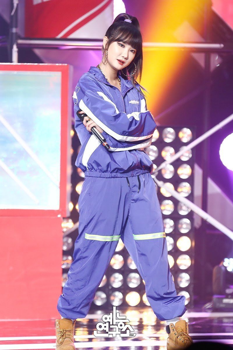 10 K Pop Idols Stage Outfits To Inspire Your Own Personal Wardrobe Stage Outfits Kpop Outfits Outfits