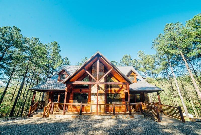 Godfathers Retreat Beavers Bend Luxury Cabin Rentals Broken Bow Cabin Rentals Broken Bow Lake Cabins Broken Bow In 2020 Luxury Cabin Rental Luxury Cabin Cabin