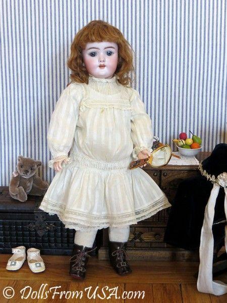 Куколка в зимней антикварной одежде.   Платья для кукол ...