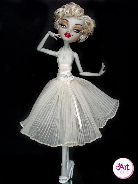 Marilyn Monroe Monster High. @Tamara Walker Walker Walker Walker Nicole