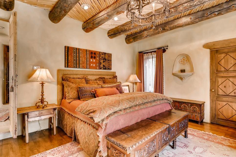 Western Decorating Style Bedrooms, Kitchens, Living Rooms