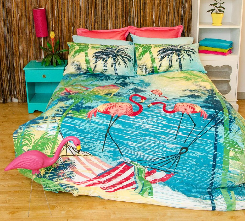 Flamingo Bedding Set Perfect For Anyone That Loves Famingos Or A Tropical Bedroom Theme Tropical Bedrooms Tropical Theme Bedroom Bedding Sets