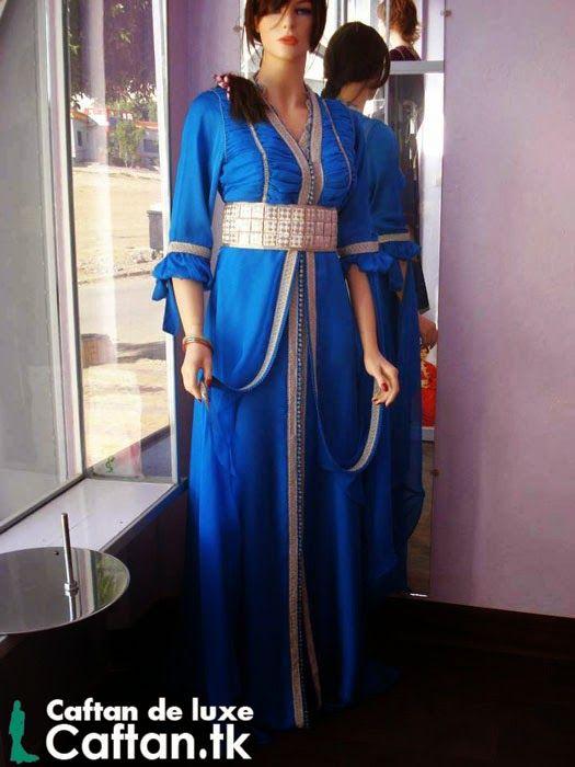 je vous propose un caftan marocain bleu en toutes mesures parfaitement bordé par des experts couturiers et stylistes qui ont passé leurs vies professionnelles...