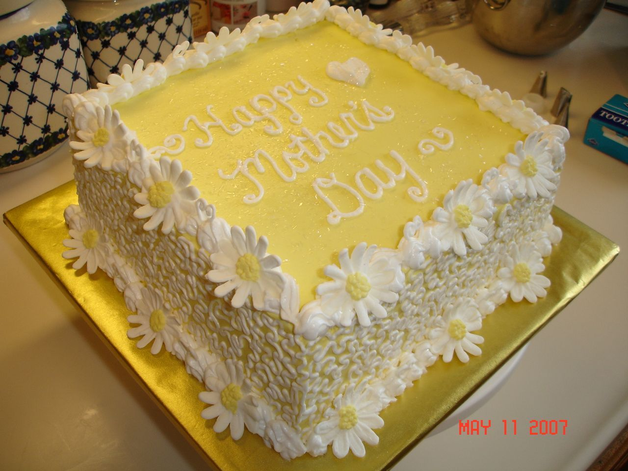Square Mother S Day Cake With Images Daisy Cakes Square Cakes
