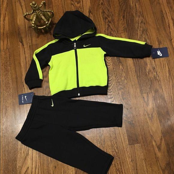 Nike infant 2 PC set🍼   Sweatsuit, Baby