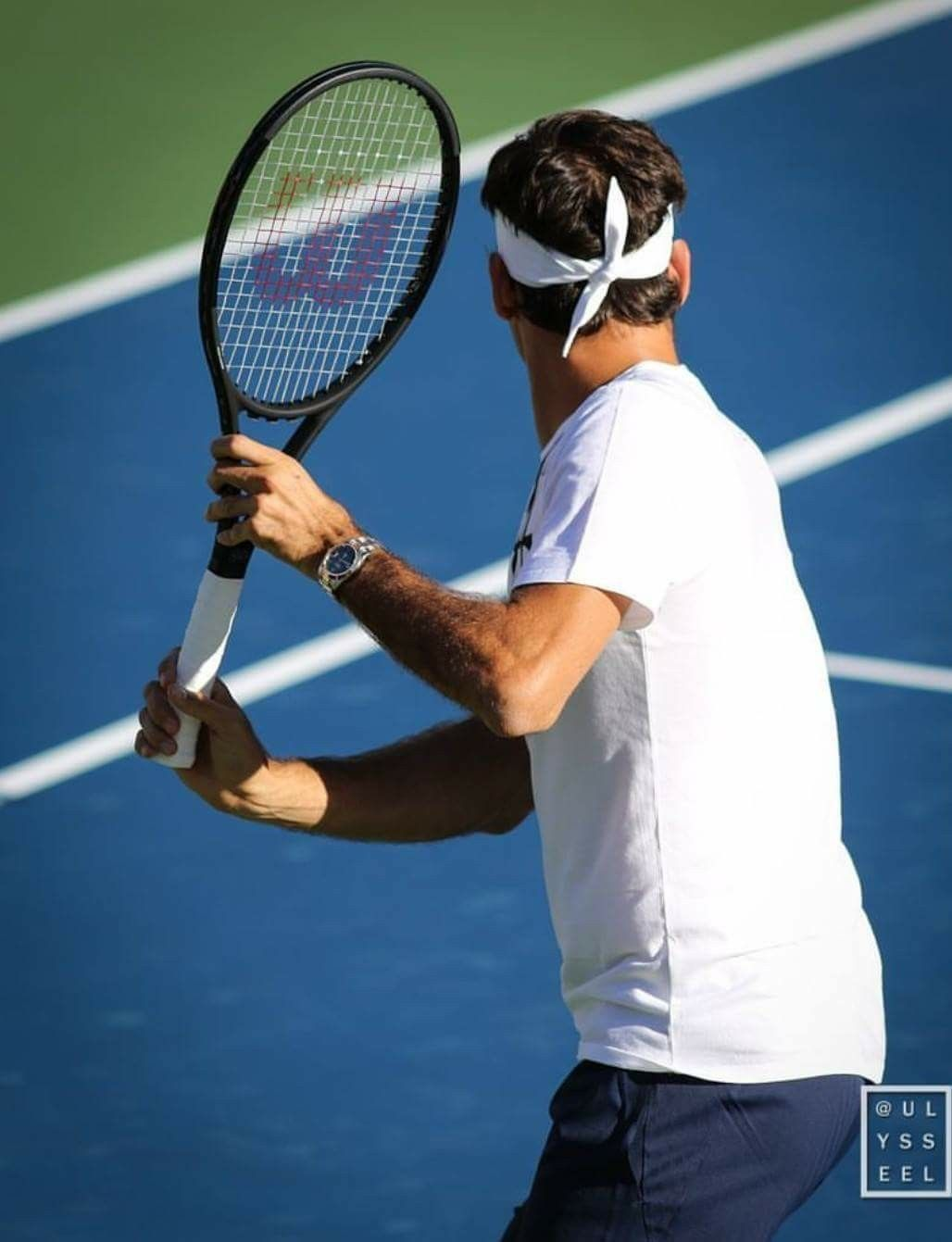 Pin By Maui Blue On 1 Roger Federer Mr Perfect G O A T King Of The Courts Master Of Poetry In Motion Tennis Forehand Tennis Legends Tennis Techniques