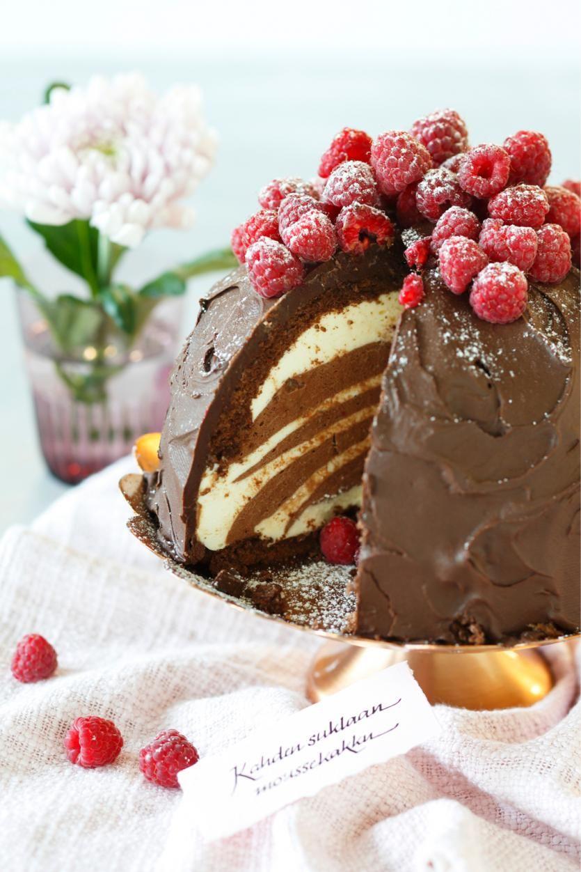 Kahden suklaan moussekakku // Double Chocolate Mousse Cake Food & Style Elina Jyväs Photo Joonas Vuorinen Maku 3/2015 www.maku.fi