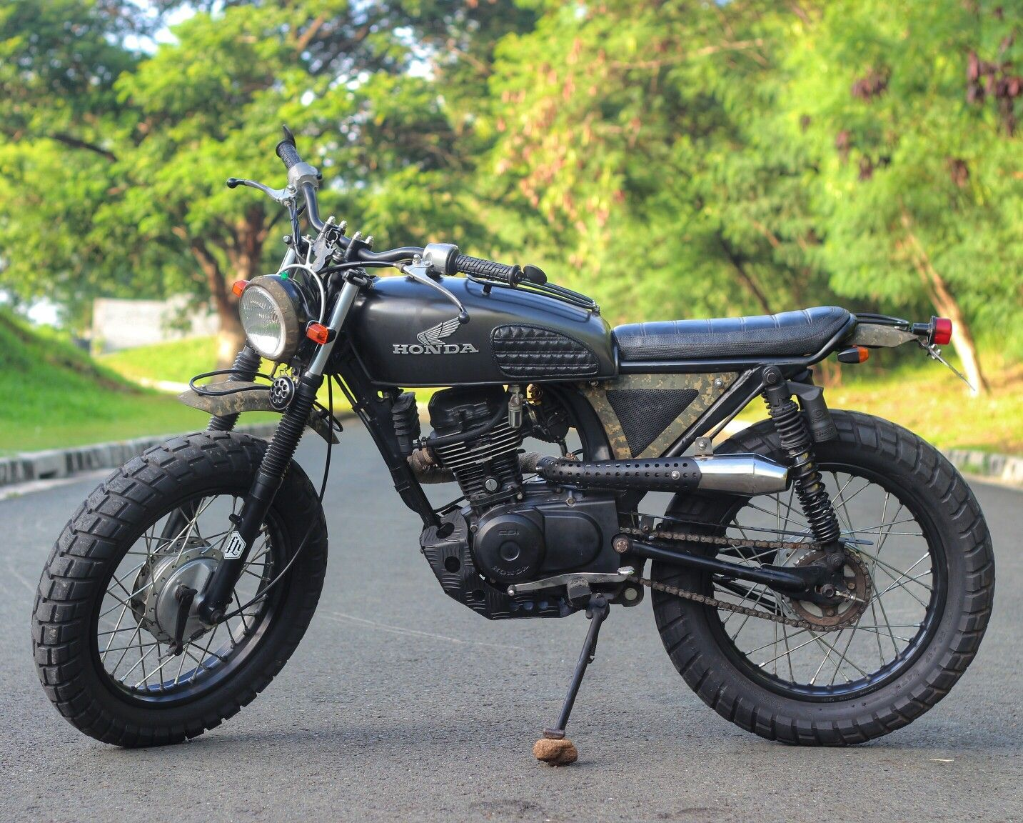 Cutom Honda Tmx 155 Jfkustoms Retro Motorcycle Cafe Racing Cafe Racer