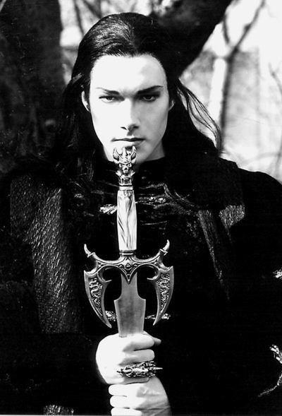 Prinz Eisenherz Gotik Manner Dunkle Schonheit Gothische Schonheit