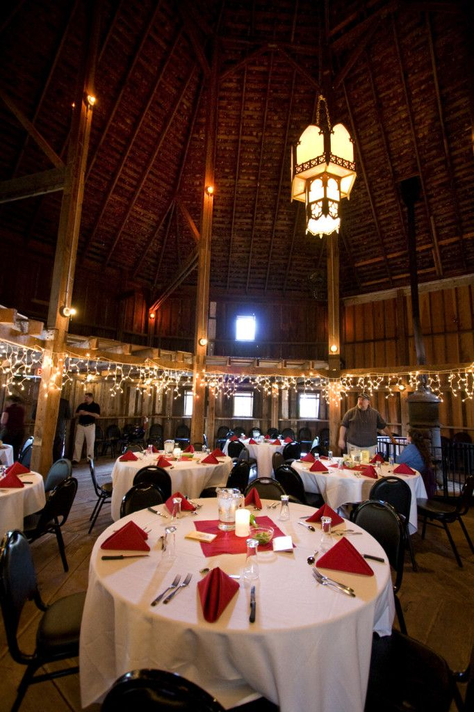 Barn Wedding Venue Oregon Mcmenamins Cornelius P Roadhouse