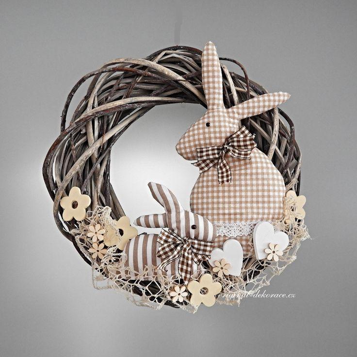 Jarní věnec se zajíčky - ratan, patina Ruční Výrobky Na Velikonoce, Velikonoční Věnce, Velikonoční Dekorace, Vánoční Věnce, Rustikální Vánoce, Vlastnoruční Dekorace, Řemesla