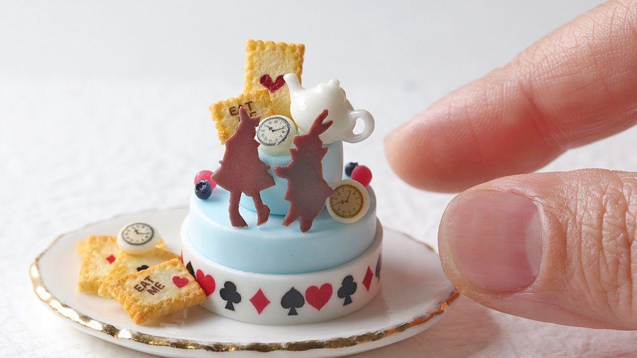樹脂粘土で不思議の国のアリスをテーマにしたミニチュアのケーキを作ってみました Alice In Wonderland Polymerclay How To Make Miniature Food Youtube ケーキ ミニチュア アリス