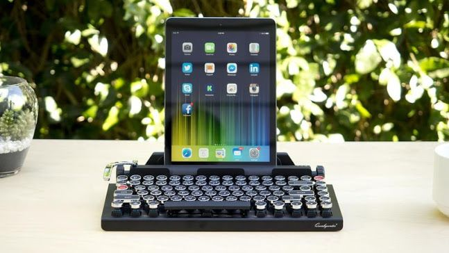 Smart typewriter makes old feel new