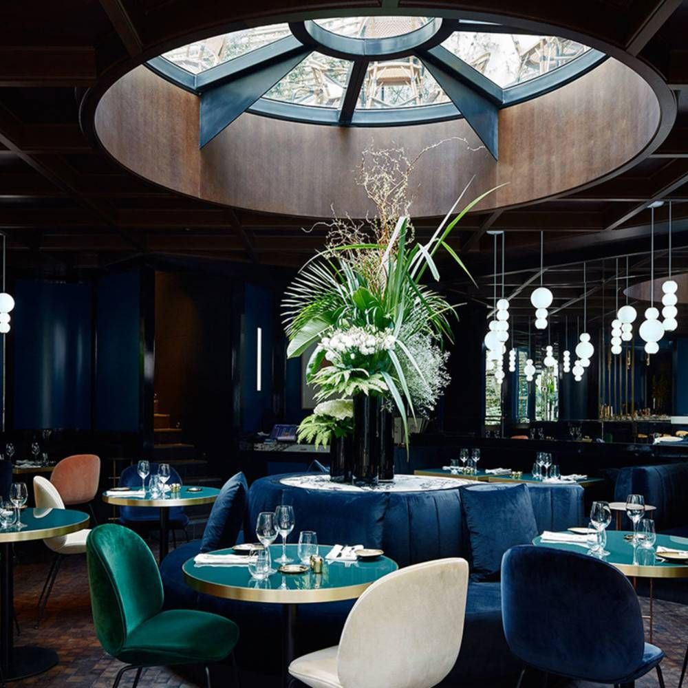 Deco Salon Bleu Roi le bleu, roi de nos intérieurs | luxury restaurant