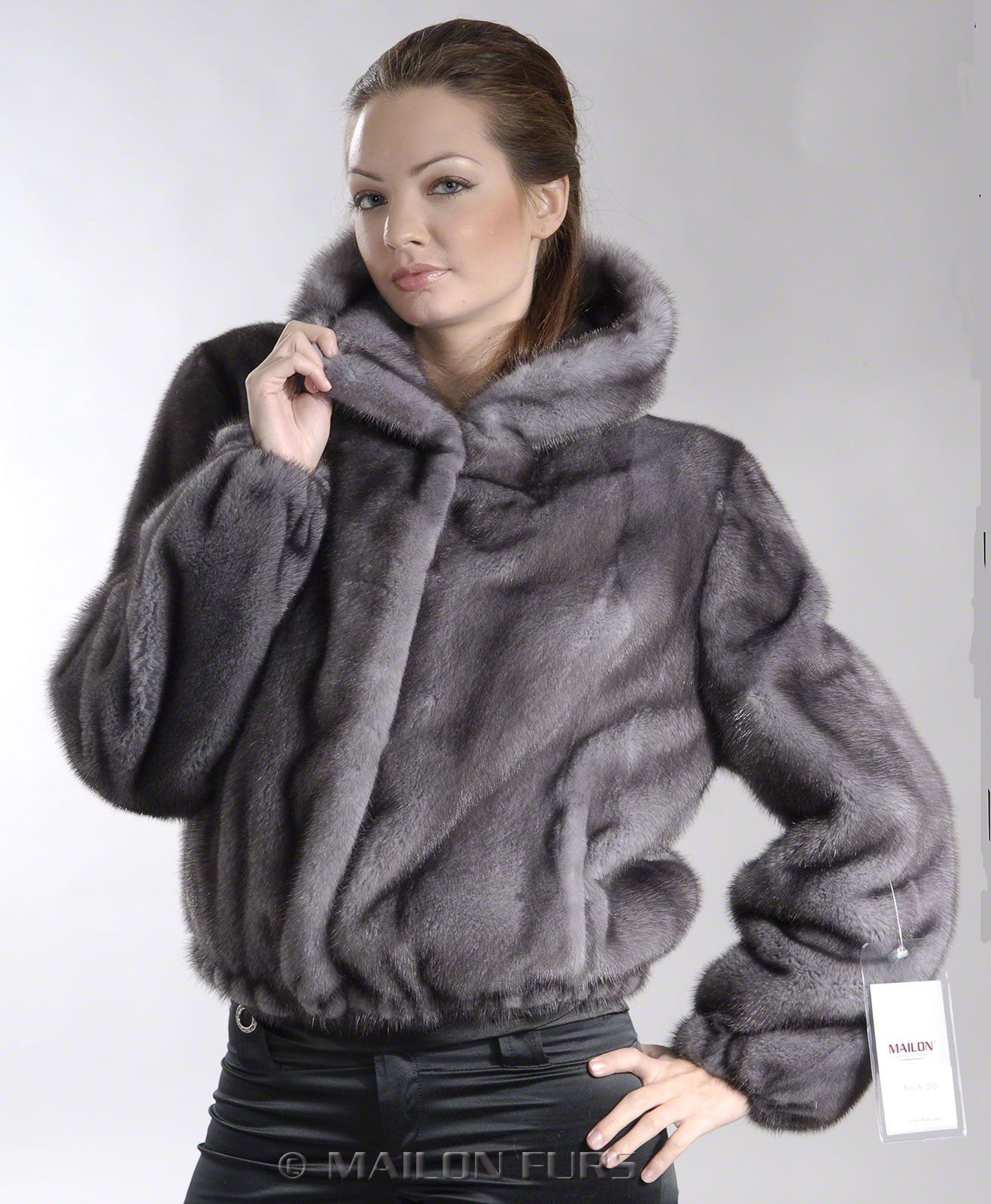 hooded fur (With images) Fur street style, Jackets, Fur