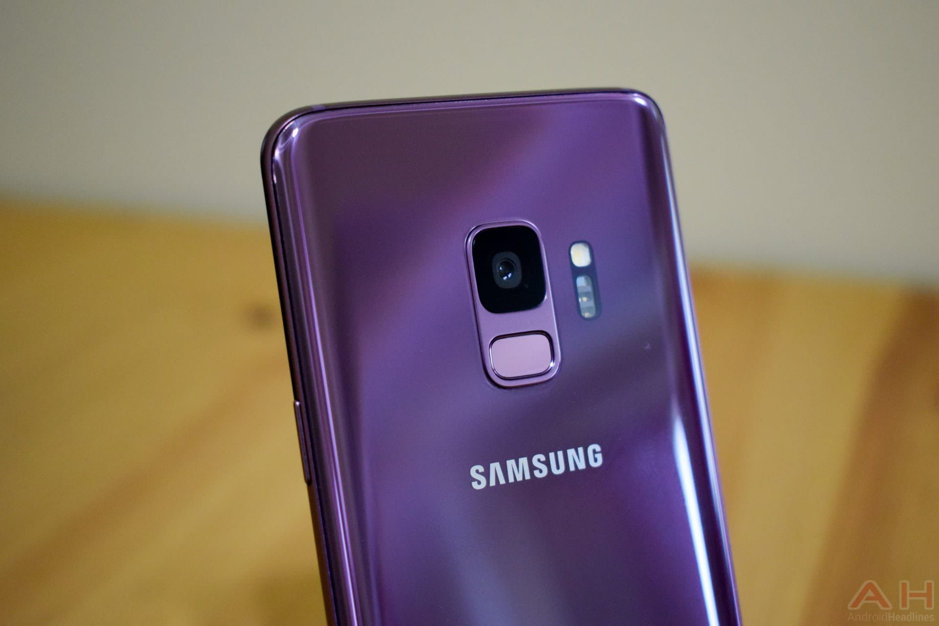 Samsung Galaxy S9 Plus Outsold All Other Phones In April 2018 Samsung Galaxy S9 Samsung Samsung Galaxy